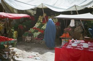 at the market in Kabul © Gigi Roccati