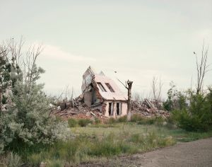 Kurchatov II (Slumped House). Kazakhstan, 2011 © Nadav Kander
