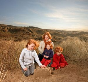 Dewindt family, from the series Natural Red Hair © Hanne van der Woude