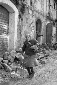 Salerno in spring 1981 after the earthquake I