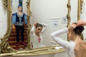 09 Nov 2017. Cork Opera House - Backstage. Julia Pochko and Cormac O'Murchu.