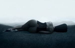 La Trahison des Images - La femme vulnérable