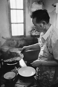 Cooking: Mr Long Distance, aged 72, Qinhuai district, Nanjing, Jiangsu Province © Kate Shortt