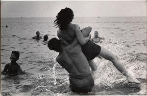 Coney Island © Garry Winogrand