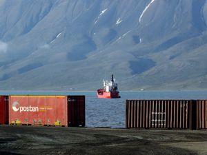 Longyearbyen port activity III