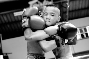 Two boys during a boxing match. © Sandra Hoyn
