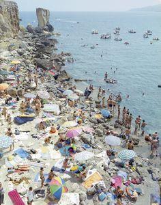 Porto Migiano, 2011 © Massimo Vitali, Brancolini Grimaldi