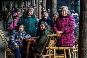 Women at Tea Street