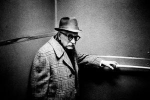 Mr. Weiss in the SRO Hotel Elevator, New York, 1987 © Jehsong Baak