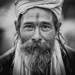 Yogi on the street