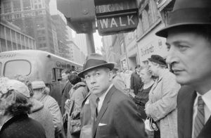 New York, 1962 © Garry Winogrand. Courtesy of Fraenkel Gallery.