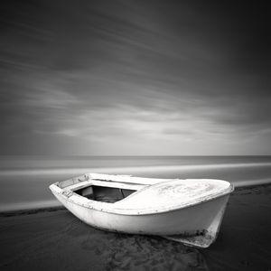 Stranded © Frang Dushaj