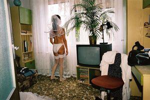 Zuzana is awaiting the groom. Pezinok, 2004. © Andrej Balco