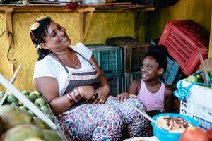 Mom and daughter in HavanaMarket