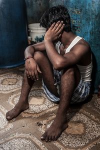 AK (23) has only been in Mumbai 3 years – he is from Mathura district where he has a girlfriend. He averages 50 massages a week, he picks up his clients at the bazaar, charging 300 rupees for a straight massage and 1-2,000 rupees for those that additionally include masturbation. He is still very much in demand because he is still young, attractive and relatively new to Mumbai.
