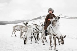 XX 204, Bayau Bulang, Renchinkhumbe, Khovsgol, Mongolia, 2011. Chromogenic color print. © Jimmy Nelson. Exhibitor : Bryce Wolkowitz Gallery