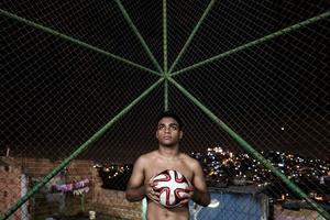 """Cesar Barbosa, """"Complexo do Alemão"""" goalkeeper"""