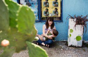 Breastfeeding in real life | on the sidewalk.