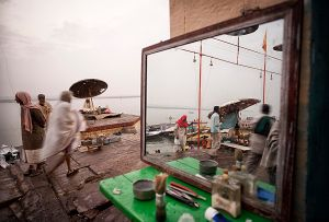 Varanasi, India: The local barber is ready for his work very early, for the ghats alongside the river of Ganges are full of worshippers and pilgrims. © Matjaz Krivic