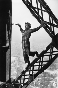 Paris, 1953. While painting the Eiffel tower, this fellow - nicknamed Zazou - was perfectly relaxed. But I felt dizzy and had to close my eyes every time he leaned over to dip his brush in the paint can.