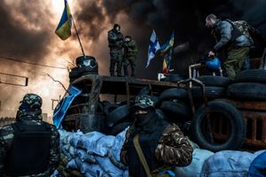 Behind Kiev's barricades_01