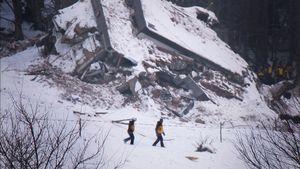 Farindola, Italy (2017). Avalanche Hotel. Rescuers.