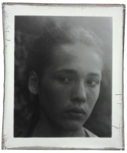 Pauline 127 x 106 cm 2009 © Jeff Cowen