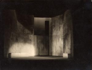 Décor pour le Hamlet monté par les Pitoeff, Genève, 1920. Tirage d'époque sur papier argentique noir et blanc viré © Albert Rudomine. Exhibitor: MICHELE CHOMETTE