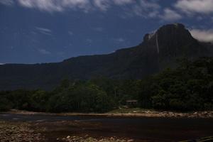 Isla Ratón - Angel falls, National Park Canaima Venezuela