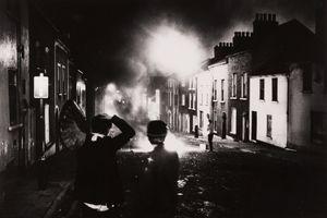 Unruhen in Nordirland (Riots in Northern Ireland), 1969. Courtesy of Museum Fur Kunst und Gewerbe.