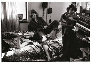 "Patti Smith with Her Children, Jackson and Jesse, St. Clair Shores, Michigan, 1996 © Annie Leibovitz, from ""Annie Leibovitz: A Photographers Life 1990  2005"", Courtesy of Vanity Fair"