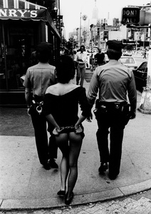 NYC, 1981. Silver gelatin archival print © Miron Zownir. Exhibitor: Hardhitta Gallery