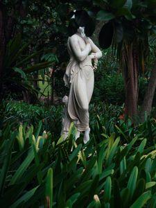 Statue #6.