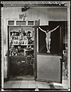 Shrine of Muertero el Cobre, 2002. © Elaine Ling