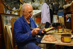 Venetian Craftsmanship - Luca Sumiti Restorer