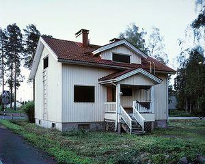 A Black Eyed House