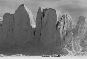 Huge icebergs in Inglefield fjord in Thule, Greenland. © Ragnar Axelsson