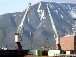 Longyearbyen port activity I