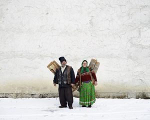 Carpet Sellers (Pojorata, North Romania), 2012© Tamas Dezso