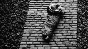 Sleeping women.(Homeles)