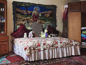 Laurentiu's marital bedroom © Maria Sturm