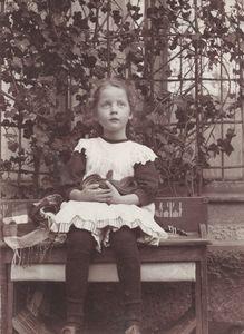 Ebba Lisa Steinheil, âgée de 5 ans 11 oct. 1909 © Photographes anonymes et amateurs, Lumiere des Roses