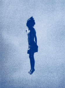 Boy, série Blues, 2013. Traditional Cyanotype. © Tim Barber. Exhibitor : galerie du jour agnès b.