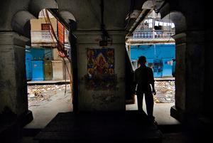 Going into the cyan house. Kolkata, India.