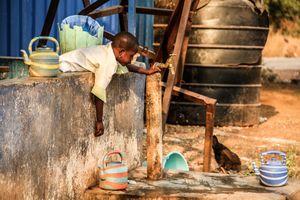 Las costureras y los niños de Tamale VI