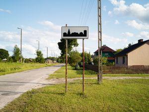 Sobibór town entrance.