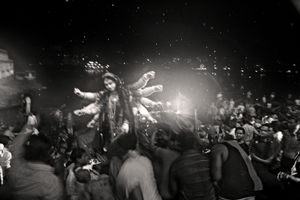 Goddess Durga just before being immersed into the Buriganga. Swarighat, 2009. © Munem Wasif