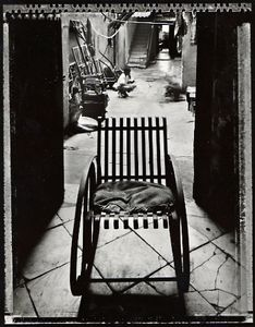 Grandmother's Chair, Havana, 2000. © Elaine Ling