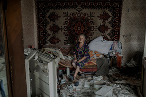 A citizen in the village of Luhanskaya after the air attack