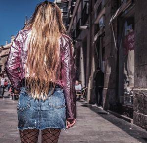 BACKS  //  The Rock Girl